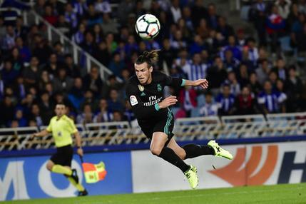 Gareth Bale del Real Madrid anota un gol en el partido contra Real Sociedad por la liga de España en San Sebastián, , el domingo 17 de septiembre de 2017. (AP Foto/Alvaro Barrientos)
